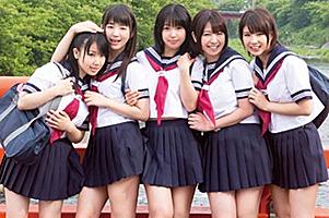 kawaii*×E-BODY×kira☆kira×Madonna×ATTACKERS 5メーカーコラボ作品第3弾!秘湯 淫華温泉 媚薬に溺れる女学生の画像です
