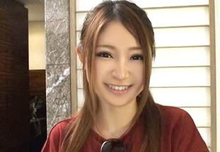 【素人】渋谷のダイニングバーの激カワ店員を口説いて3Pハメ撮りが実現!