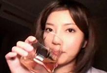 巨乳お姉さんがウイスキー飲んでエロエロに(汗)いつもの100倍感じまくりSEX!(一回やってみたい)